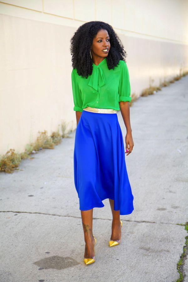 "Foto: Reprodução / <a href=""http://stylepantry.com/2013/12/27/bow-blouse-circle-midi-skirt/"" target=""_blank"">Style Pantry</a>"