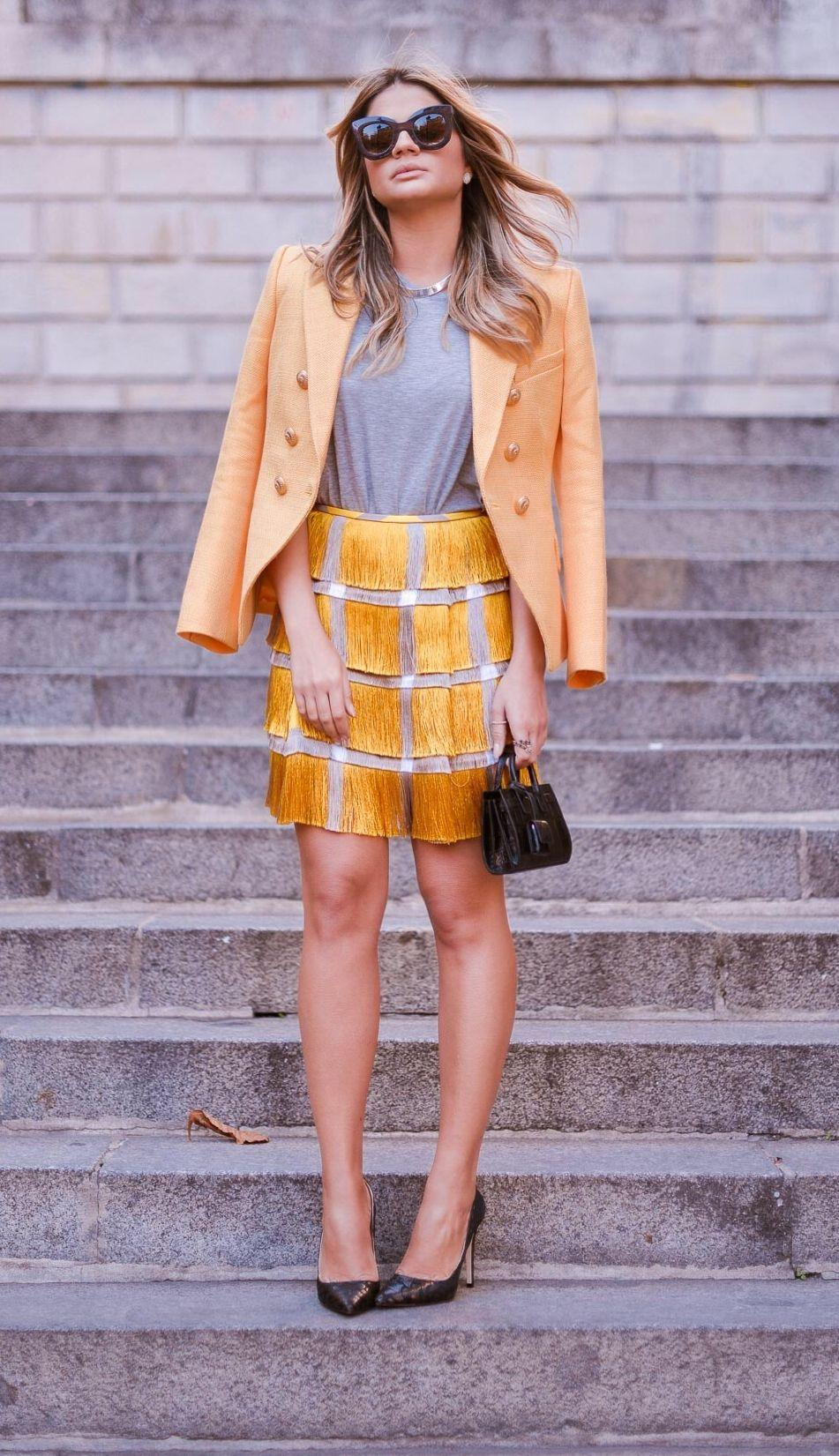 "Foto: Reprodução / <a href=""http://www.blogdathassia.com.br/br/2015/10/01/thassiaemparis-about-yellow-look/#post"" target=""_blank"">Blog da Thássia</a>"