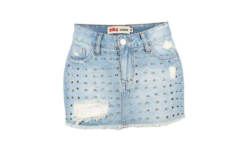 """Saia jeans 284 por R$89,87 na <a href=""""http://www.e-closet.com.br/item/saia-jeans-spikes-azul-284-10691.html"""" target=""""blank_"""">E-closet</a>"""