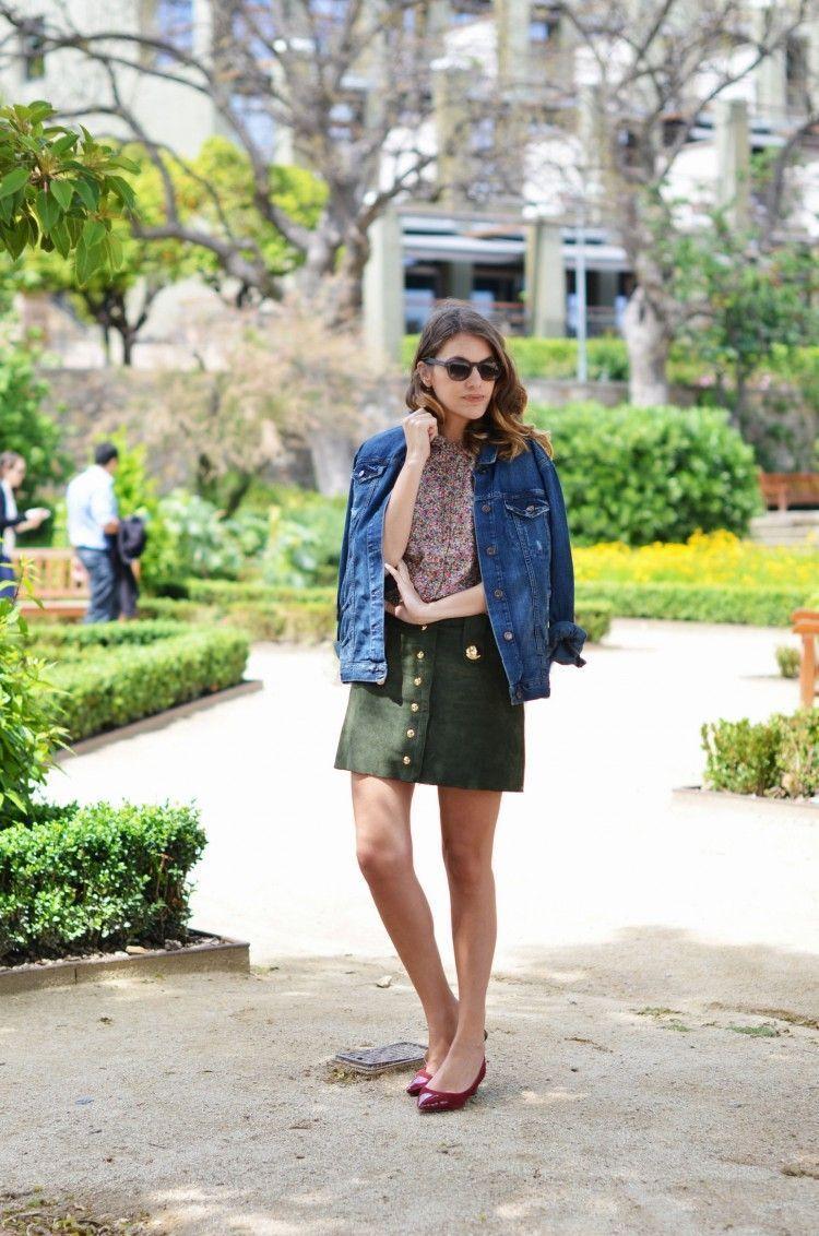"Foto: Reprodução / <a href=""http://stylelovely.com/mydailystyle/2013/05/liberty-print-blouse"" target=""_blank"">Style Lovely</a>"
