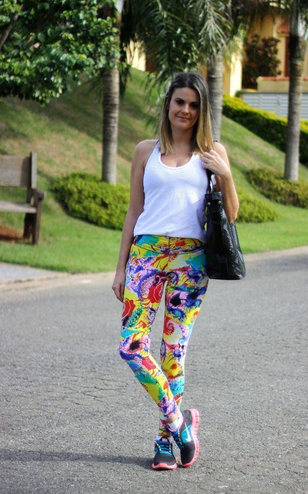 """Foto: Reprodução / <a href=""""https://alessandraserra.wordpress.com/2014/07/01/meu-look-fitness-colorido/ """" target=""""_blank"""">Blog da Ale Serra</a>"""