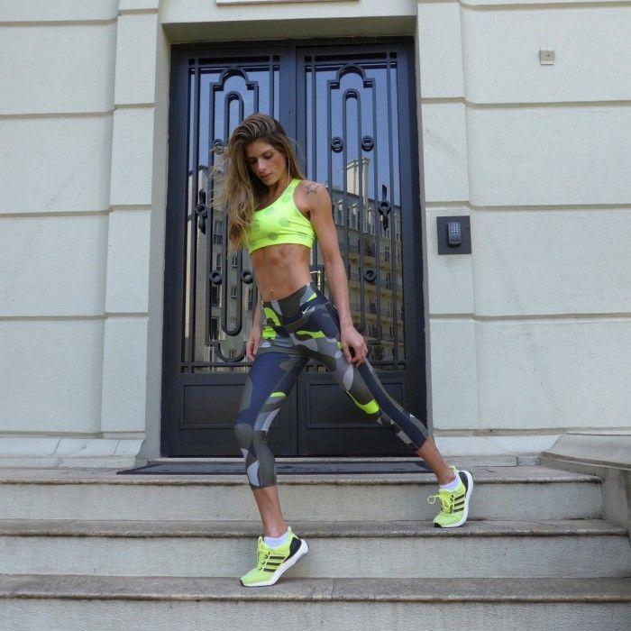 "Foto: Reprodução / <a href=""https://www.carolmagalhaes.com/category/looks/look-fitness/?q=%2Fcategory%2Flooks%2Flook-fitness%2F&v=19d3326f3137 "" target=""_blank"">Carol Magalhães</a>"