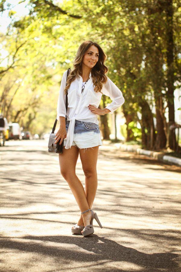 """Foto: Reprodução / <a href=""""http://www.lalanoleto.com.br/2012/look-do-dia-short-jeans/"""" target=""""blank_"""">Lalá Noleto</a>"""