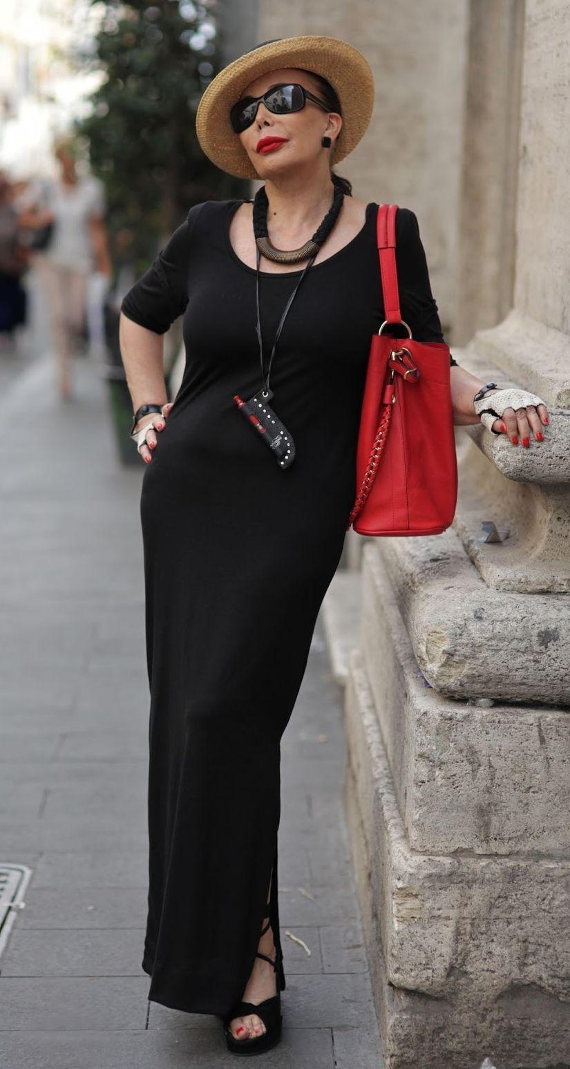 "Foto: Reprodução / <a href=""http://advancedstyle.blogspot.com.br/2014/07/red-lips-in-roma.html"" target=""_blank""> Advanced Style </a>"