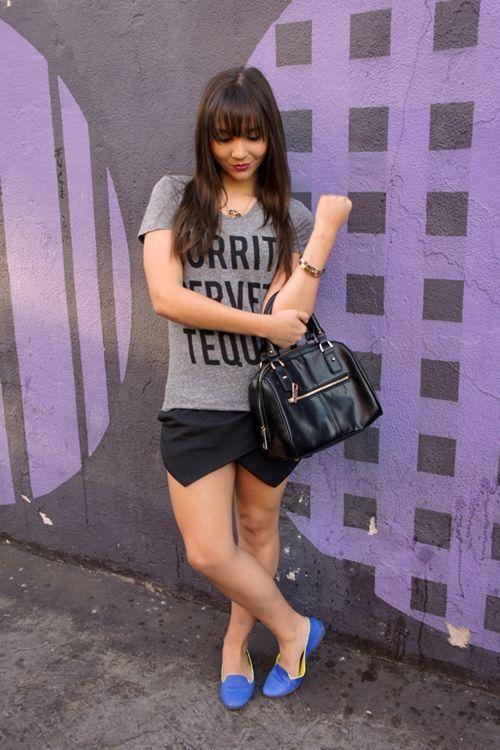 """Foto: Reprodução / <a href=""""http://fake-doll.com/2013/08/14/look-do-dia-slipper-com-short-saia/"""" target=""""_blank"""">Fake Doll</a>"""
