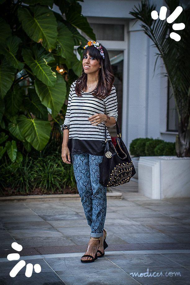 """Foto: Reprodução / <a href=""""http://modices.com.br/moda/listras-jeans-estampado-e-tiara-de-flores-misturando-tendencias-no-look-do-fashion-rio/"""" target=""""_blank"""">Modices</a>"""