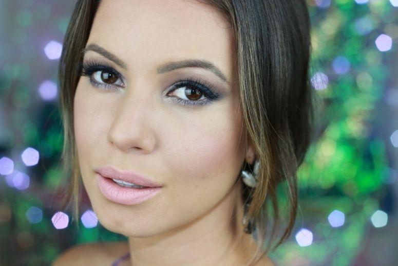 """Foto: Reprodução / <a href=""""http://www.julianagoes.com.br/post/maquiagem-para-levantar-o-olhar-palpebra-caida-ou-gordinha/422"""" target=""""_blank"""">Juliana Goes</a>"""