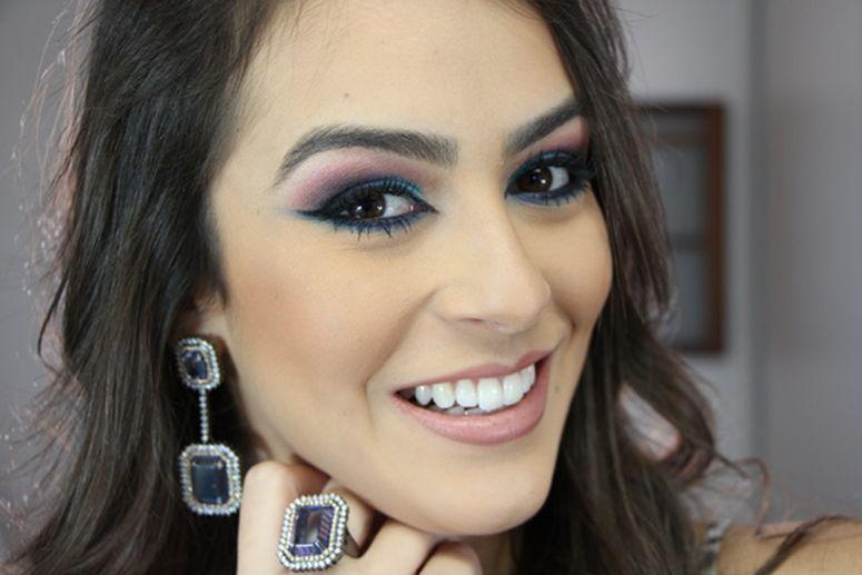 """Foto: Reprodução / <a href=""""http://blogmarianasaad.com/2014/08/14/maquiagem-super-alegre-com-produtos-nacionais/"""" target=""""_blank"""">Blog Mariana Saad</a>"""