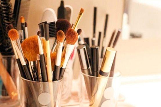 maneiras diferentes organizar itens maquiagem1 Maneiras diferentes para organizar os itens de maquiagem
