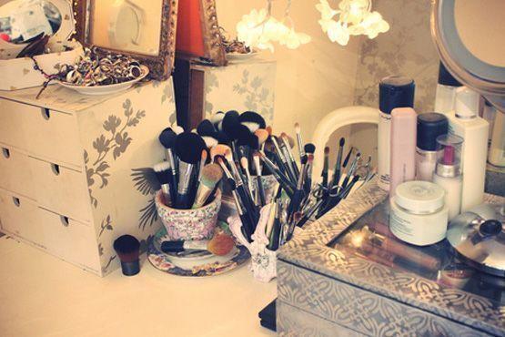 maneiras diferentes organizar itens maquiagem7 Maneiras diferentes para organizar os itens de maquiagem