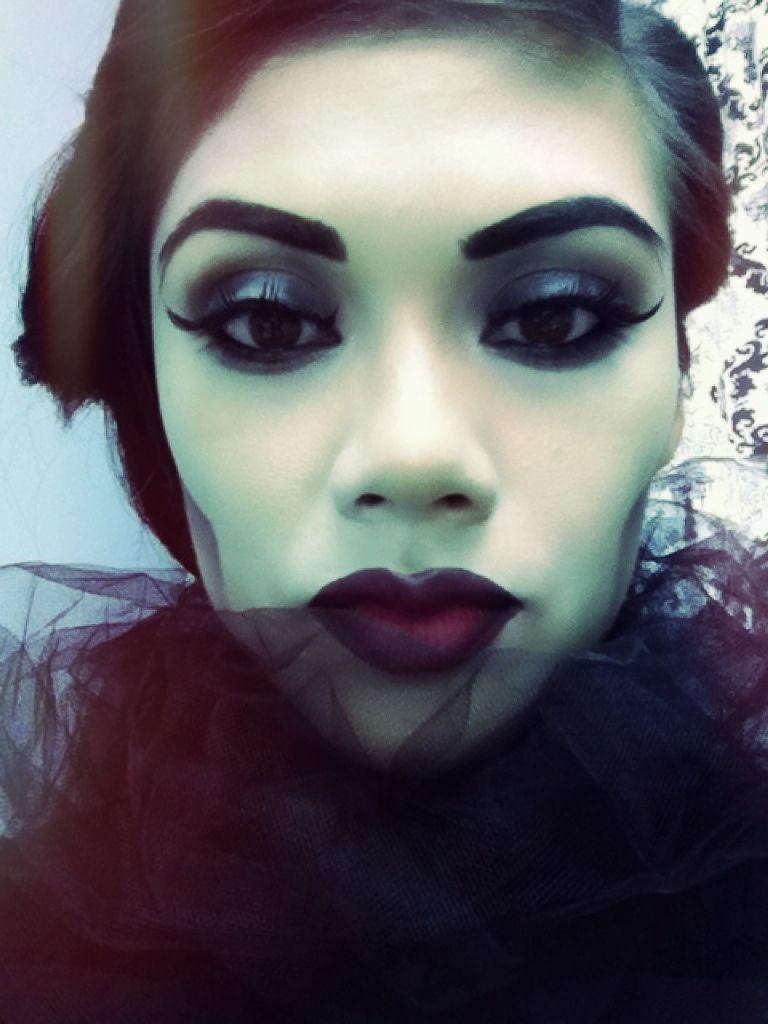 "Foto: Reprodução / <a href=""http://ladyartlooks.com/2012/10/29/halloween-witch-tutorial/"" target=""_blank"">Lady Art Looks</a>"