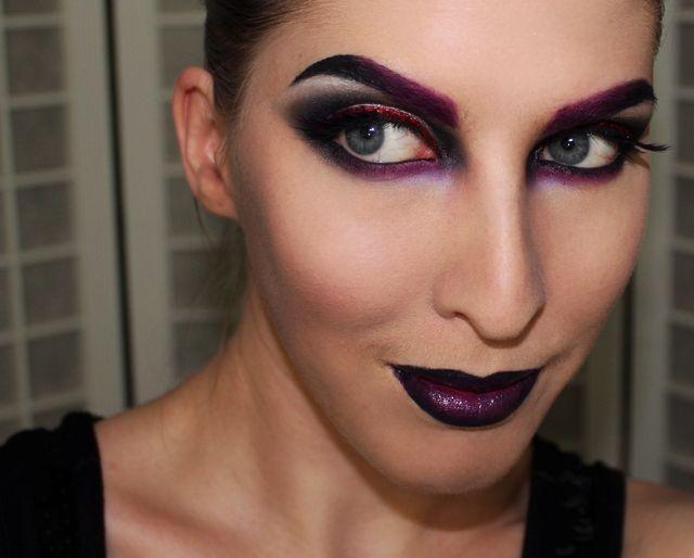 maquiagem de bruxa cores preto e roxo