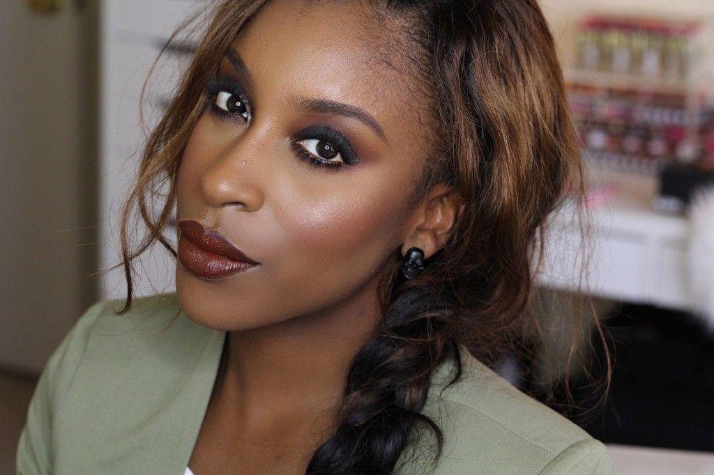 "Foto: Reprodução / <a href=""http://makeupgameonpoint.com/2014/12/27/90s-lipstick-trend/"" target=""_blank"">Make up game point</a>"