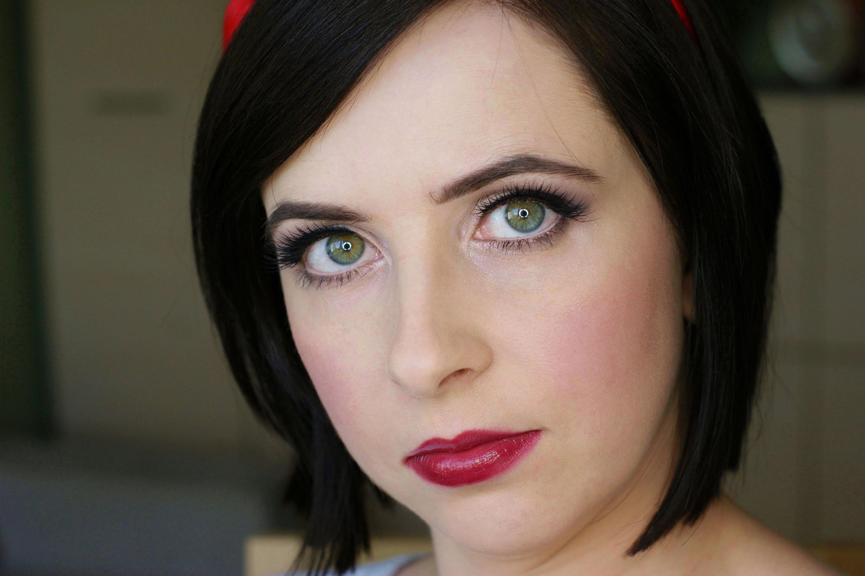 """Foto: Reprodução / <a href=""""https://www.youtube.com/watch?v=iQZdI3rrLFc"""" target=""""_blank"""">Makeup by Kaja</a>"""