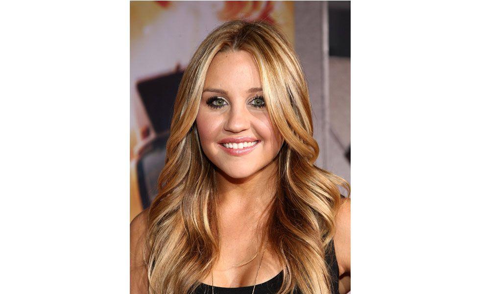 """A <strong>balaiagem</strong> consiste em mechas mais grossas que partem do topo do cabelo até as pontas. A <a href=""""http://www.dicasdemulher.com.br/balaiagem-nos-cabelos/"""">técnica</a> é realizada com a ajuda de papel alumínio e pode ser utilizada por mulheres de cabelos de todas as cores, pois ela mistura vários tons de loiro."""