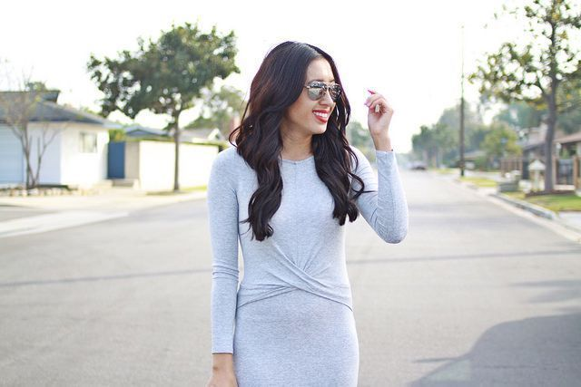 "Foto: Reprodução / <a href=""http://www.lovefashionlivelife.com/2015/02/little-gray-dress.html"" target=""_blank"">Love Fashion Live Life</a>"