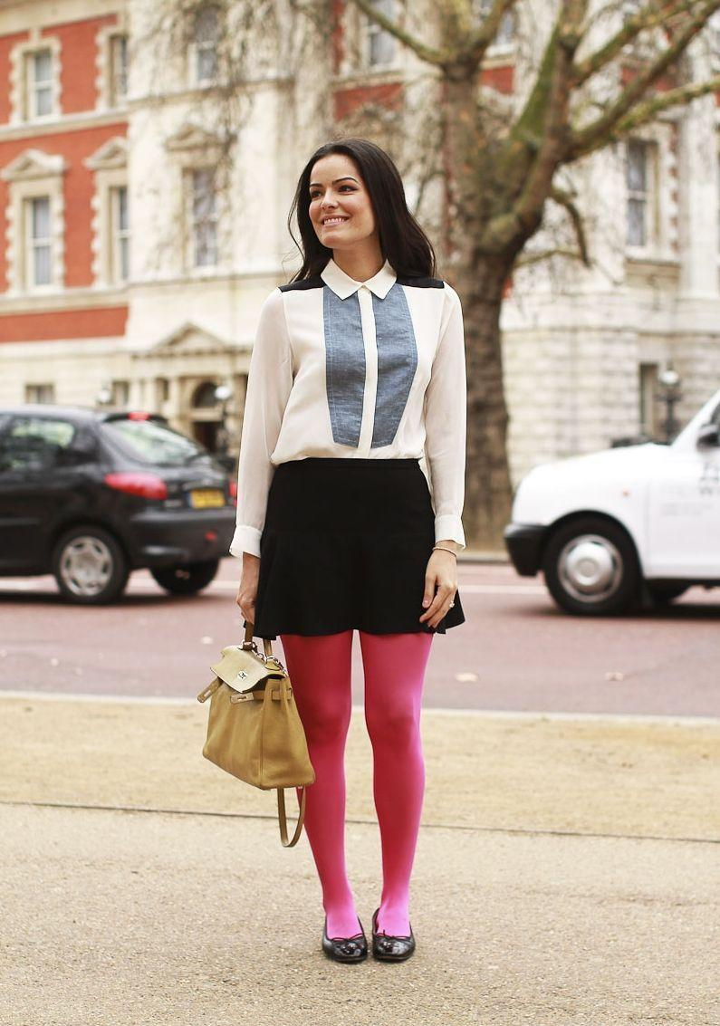 """Foto: Reprodução / <a href=""""http://www.blogdamariah.com.br/index.php/2012/02/look-do-dia-meia-calca-pink/"""" target=""""_blank"""">Blog da Mariah</a>"""