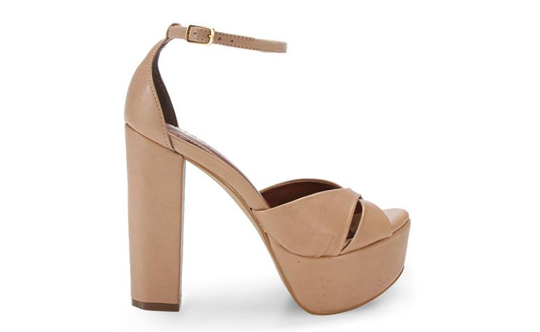 "Sandália meia pata Ferrette por R$159,99 na <a href=""http://www.anita.com.br/produto/Sandalia-Ferrette-ANTIQUE-93255?atributo=173:ANTIQUE"" target=""blank_"">Anita</a>"