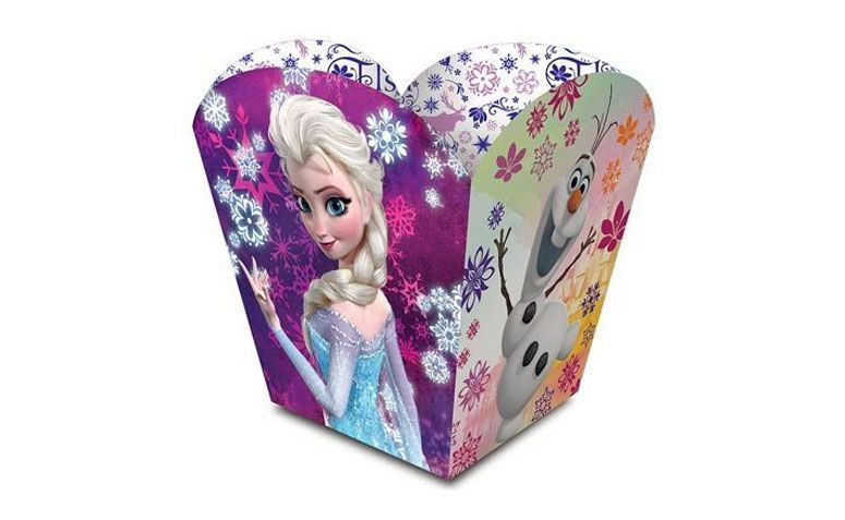 """Cachepô Frozen por R$32,85 (8 unidades) na <a href=""""http://www.magazine25.com.br/p/cachepo-medio-frozen-disney--08-unidades"""" target=""""blank_"""">Magazine 25</a>"""