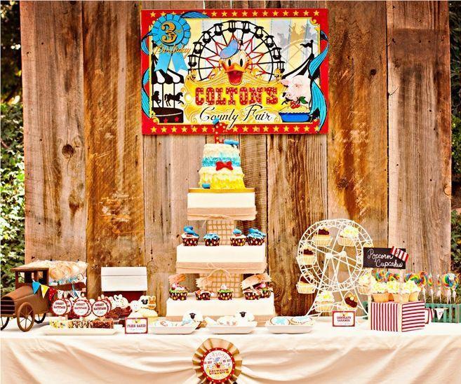 "Foto: Reprodução / <a href=""http://pizzazzerie.com/parties/childrens-parties/vintage-donald-duck-county-fair-birthday-party/"" target=""_blank"">Pizzazzerie</a>"