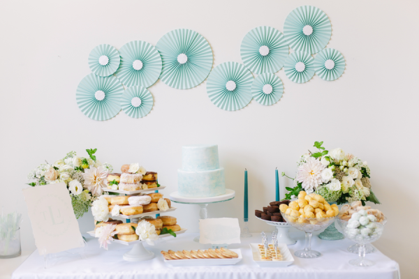 "Foto: Reprodução / <a href=""http://www.stylemepretty.com/2013/08/23/watercolor-inspired-bridal-shower-from-annabella-charles-photography/"" target=""_blank"">Style me Pretty</a>"