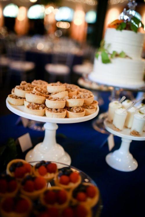 """Foto: Reprodução / <a href=""""http://cocoaandfig.blogspot.com.br/2015/03/minneapolis-wedding-laura-tom.html"""" target=""""_blank""""> Cocoa and Fig </a>"""