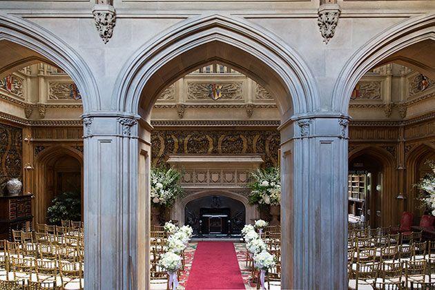 "Foto: Reprodução / <a href=""http://www.brides.com/blogs/aisle-say/2015/10/downton-abbey-wedding-ideas-barker-evans-photography.html"" target=""_blank"">Brides</a>"