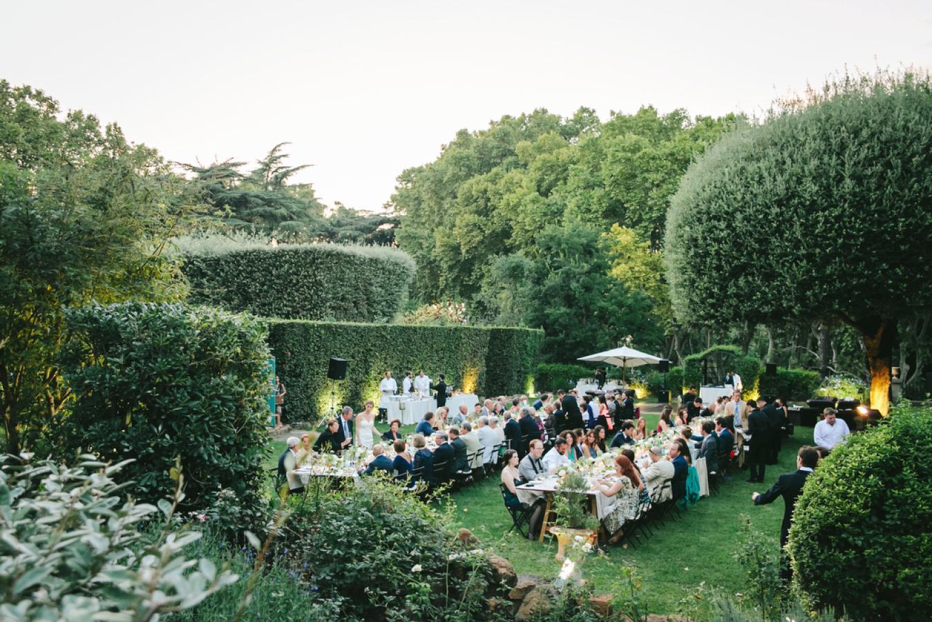 "Foto: Reprodução / <a href=""http://www.stylemepretty.com/destination-weddings/2014/08/11/romantic-rome-garden-wedding-at-villa-aurelia/"" target=""_blank"">Style me pretty</a>"