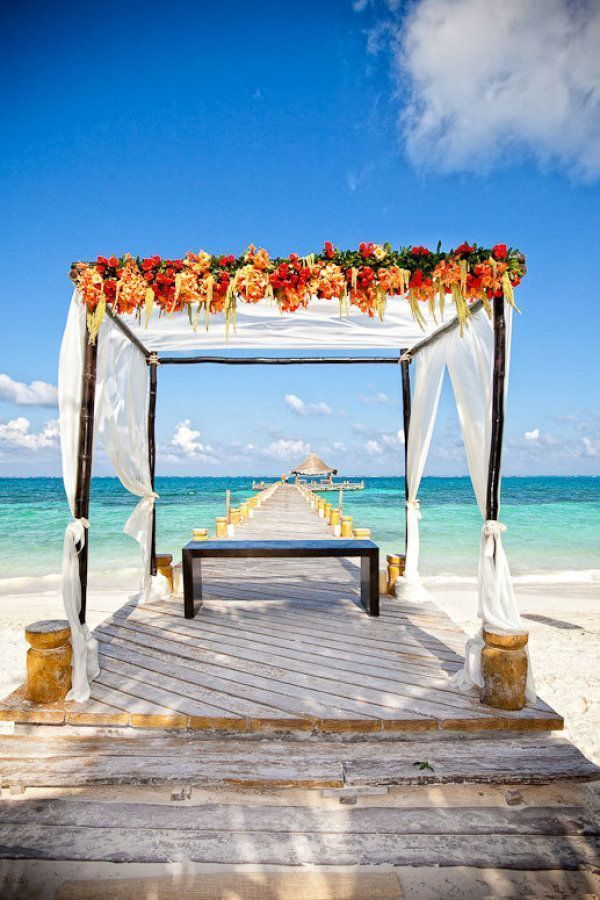 "Foto: Reprodução / <a href=""http://www.stylemepretty.com/2012/03/19/riviera-maya-wedding-from-callaway-gable-photography/"" target=""_blank"">Style me pretty</a>"