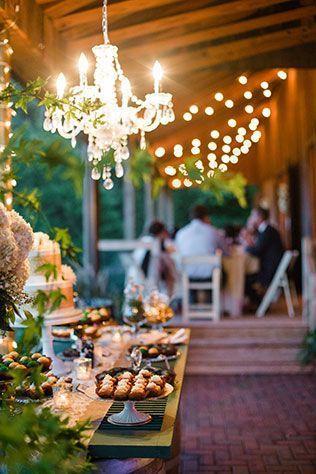 "Foto: Reprodução / <a href=""http://www.artfullywed.com/real-couples/weddings/elegant-gold-and-emerald-winery-wedding/"" target=""_blank"">Artfully Wed</a>"