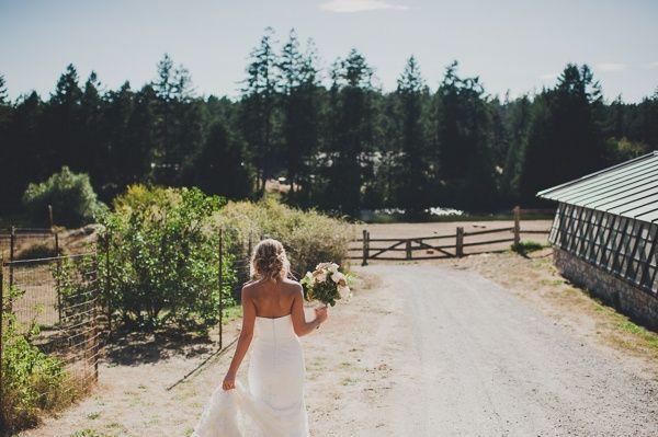 """Foto: Reprodução / <a href=""""http://www.weddingpartyapp.com/blog/2013/12/09/laid-back-summer-bbq-wedding-farm-carina-skrobecki/"""" target=""""_blank"""">Wedding party</a>"""