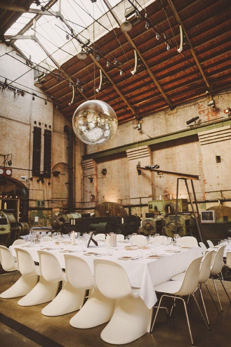 "Foto: Reprodução / <a href=""http://www.rockmywedding.co.uk/your-love-keeps-lifting-me-higher/"" target=""_blank"">Rock my wedding</a>"