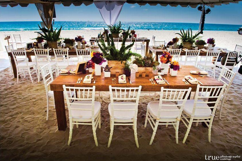 "Foto: Reprodução / <a hrefhttp://alchemyfineevents.com/2013/02/collaboration-to-celebration-a-bold-tropical-san-diego-beach-wedding/ target=""_blank"">Alchemy fine events</a>"