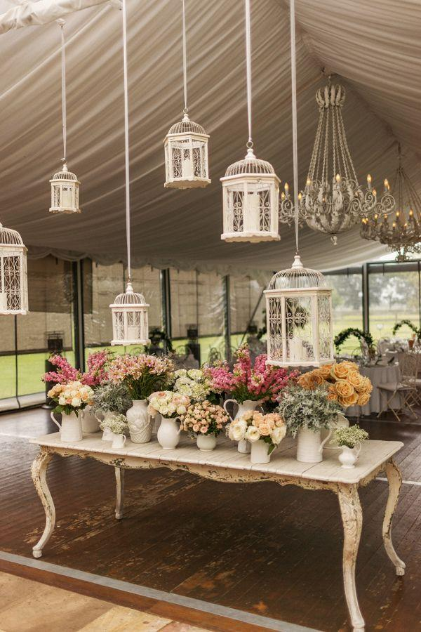 "Foto: Reprodução / <a href=""http://www.stylemepretty.com/australia-weddings/2014/04/02/romantic-garden-wedding-at-the-james-terrara-house/"" target=""_blank"">Style me pretty</a>"