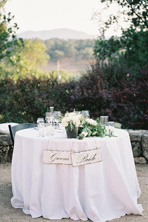 "Foto: Reprodução / <a href=""http://www.brides.com/blogs/aisle-say/2014/09/vineyard-wedding-ideas-napa-valley-photography-by-leah.html"" target=""_blank"">Brides</a>"