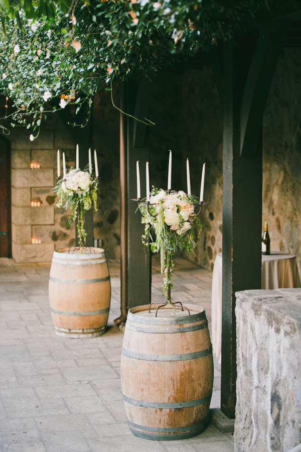 "Foto: Reprodução / <a href=""http://www.stylemepretty.com/little-black-book-blog/2015/03/31/elegant-saint-helena-vineyard-wedding/ "" target=""_blank"">Style me pretty</a>"