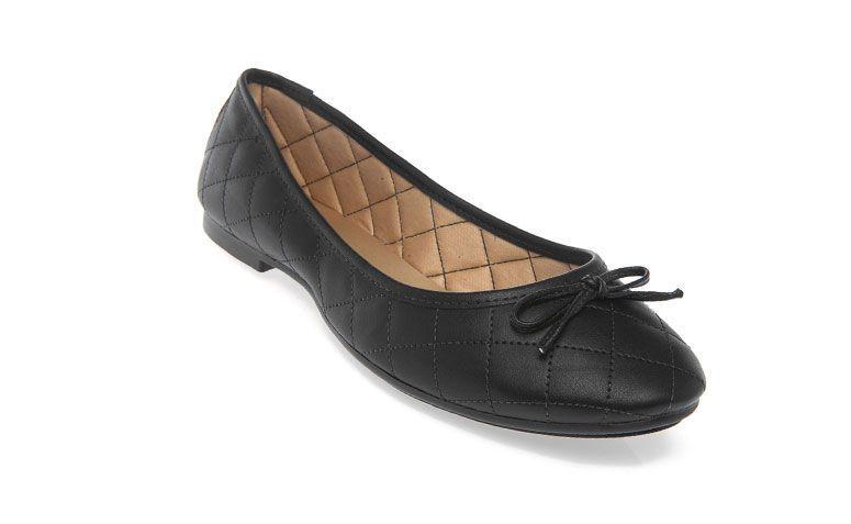Sneaker Petite Jolie Matelasse untuk R $ 89,99 di Dafiti