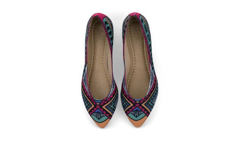 Sneaker Afrika untuk US $ 119,00 di Gaya Gadis