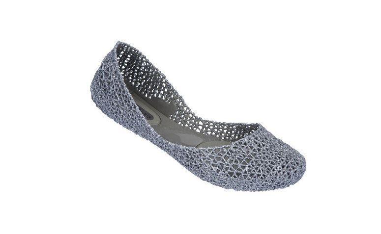 Sneaker Campana Kertas VII oleh R $ 130,00 di Melissa
