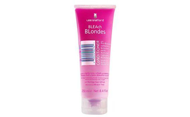 """Condicionador para cabelos tingidos ou com luzes Bleach Blonde por R$42,80 na <a href=""""http://www.epocacosmeticos.com.br/bleach-blonde-lee-stafford-condicionador-para-cabelos-tingidos-ou-com-luzes/p"""" target=""""blank_"""">Época Cosméticos</a>"""