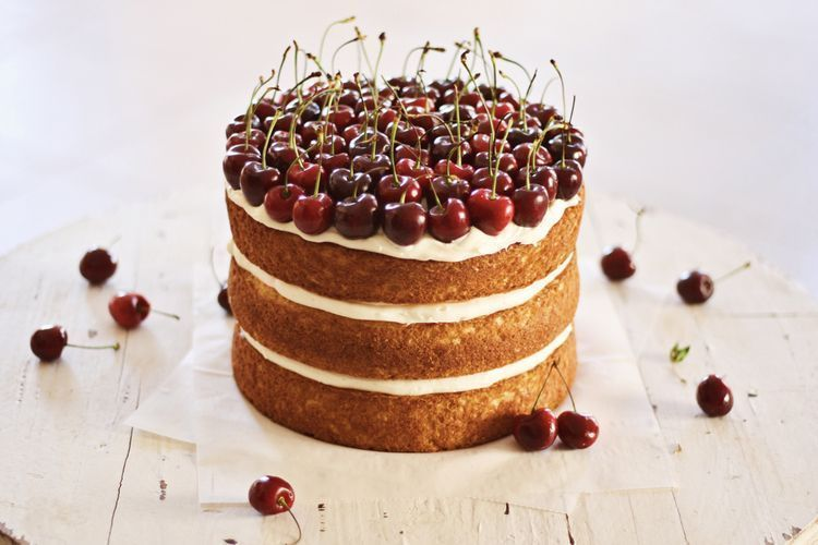 "Foto: Reprodução / <a href=""http://www.kristimurphy.com/blog/how-to-make-a-naked-cake"" target=""_blank"">Kristi Murphy</a>"