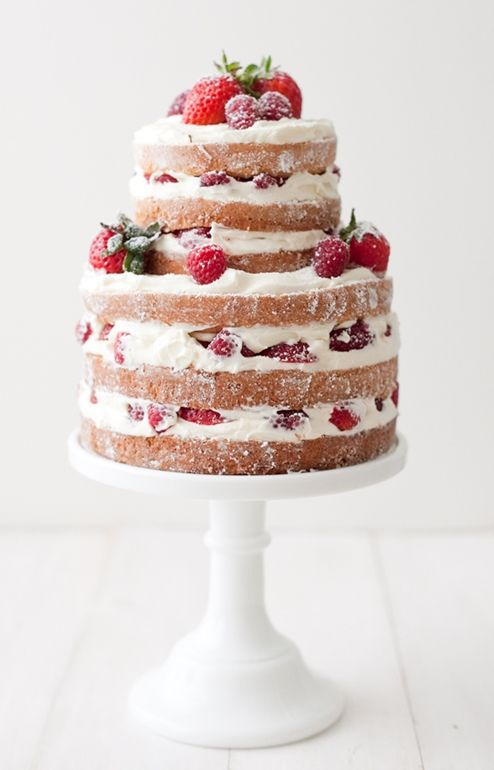 "Foto: Reprodução / <a href=""http://matchboxkitchen.com/blog/naked-strawberry-rasberry-shortcake-how-to-make-almost-any-cake/"" target=""_blank"">Match box kitchen</a>"