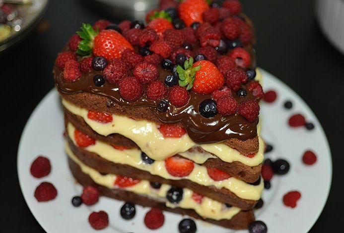"Foto: Reprodução / <a href=""http://www.spicyvanilla.com.br/2013/06/naked-cake/"" target=""_blank"">Spicy Vanilla</a>"