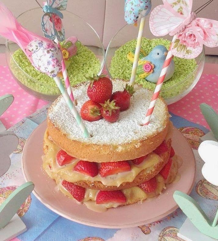 """Foto: Reprodução / <a href=""""http://www.omelhorrestaurantedomundo.com/2014/06/naked-cake-com-recheio-de-doce-de-leite.html"""" target=""""_blank"""">O melhor restaurante do mundo</a>"""