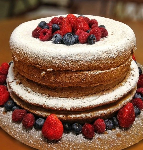 """Foto: Reprodução / <a href=""""http://www.dopaoaocaviar.com.br/naked-cake-aprenda-a-receita-deste-bolo-maravilhoso/"""" target=""""_blank"""">Do pão ao caviar</a>"""