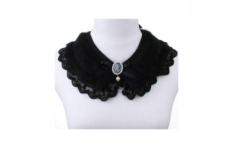 Disponível no site bijouxanciens.tanlup.com. Preço: R$124,90.