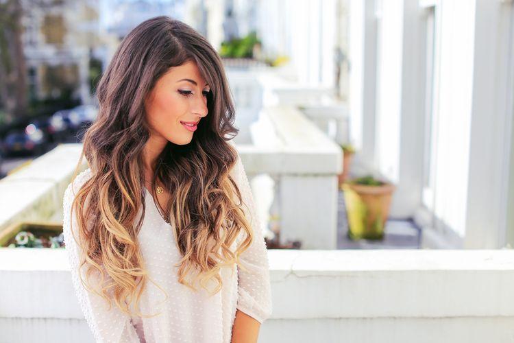 "Foto: Reprodução / <a href=""http://www.blog.luxyhair.com/blog/2015/3/10/effortless-waves-tutorial"" target=""_blank"">Luxy Hair</a>"