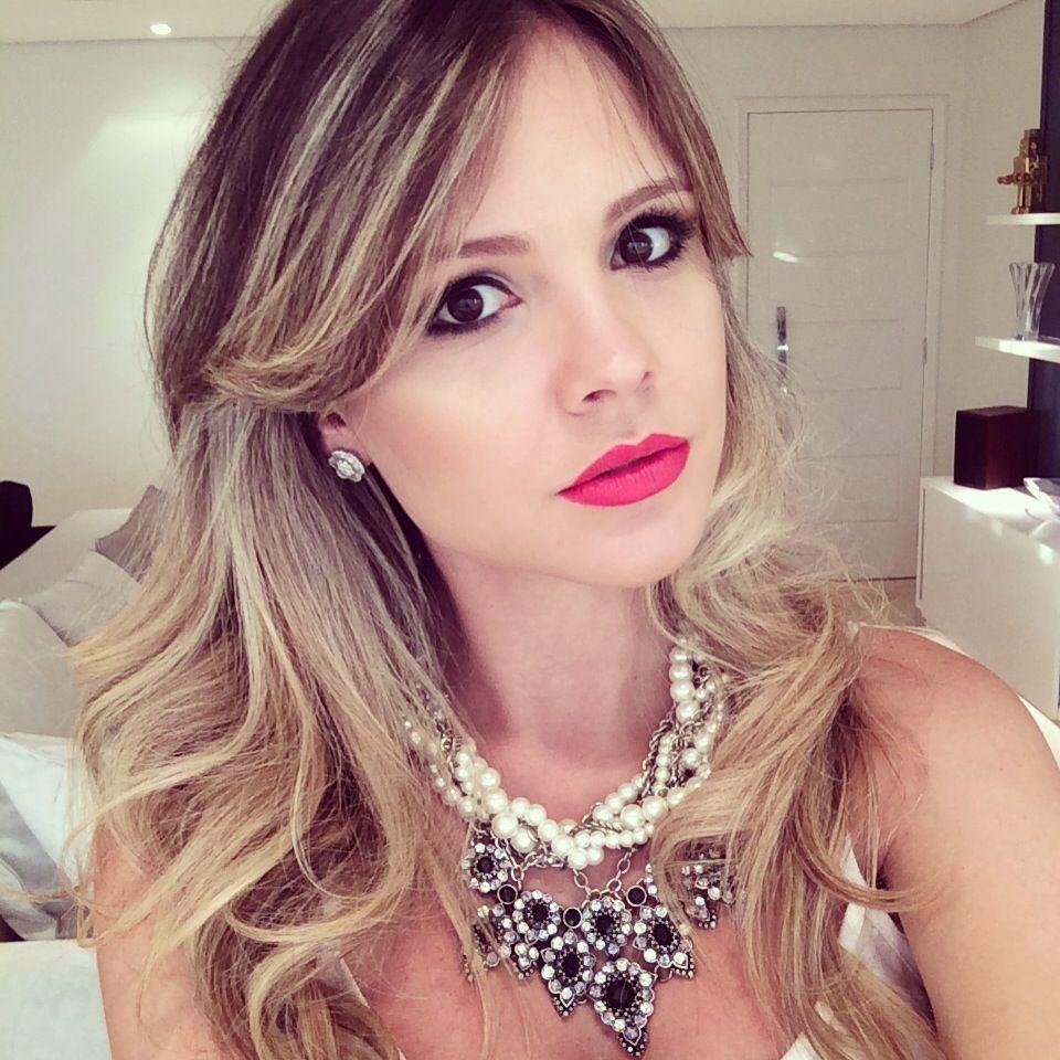 """Foto: Reprodução / <a href=""""http://www.nathaliamenezes.com.br/desfile-patbo-hair-make/"""" target=""""_blank"""">Nathalia Menezes</a>"""