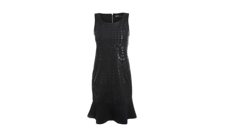 "Vestido baby doll curto para black tie por R$316,80 na <a href=""http://ad.zanox.com/ppc/?29470516C1422770&ULP=[[http://www.shop2gether.com.br/vestido-curto-regata-14.html?utm_source=Zanox&utm_medium=Affiliates&utm_campaign=custom_deeplink]]"" target=""_blank"">Shop2gether</a>"