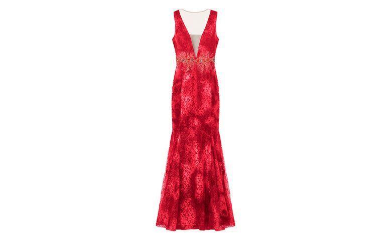 """Vestido longo black tie rendado com transparência por R$1.986 na <a href=""""http://www.capitollium.com.br/produto/VESTIDO-DE-FESTA-RENDA-BORDADA-MARION-145835?atributo=158:Coral"""" target=""""_blank"""">Capitollium</a>"""